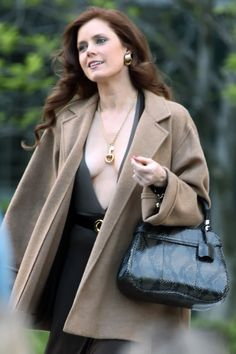 """Girl Crushes: Amy Adams in """"American Hustle"""" and Margot Robbie in """"The Wolf of Wall Street"""" Beautiful Redhead, Beautiful Celebrities, Beautiful Actresses, Gorgeous Women, Actress Amy Adams, Amy Actress, American Hustle, Look Fashion, Womens Fashion"""
