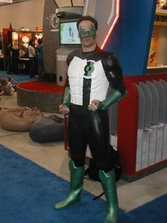 KYLE RAYNER Kyle Rayner, Lanterns, Leather Pants, Green, Fashion, Leather Jogger Pants, Moda, Lederhosen, Lamps