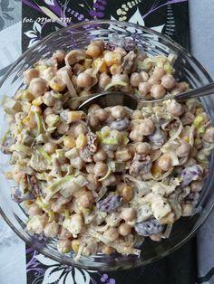Pomysł wpadł mi dogłowy spontanicznie, aefekt wyszedł smaczny 🙂 nooo ok – trochę (jak dla nas) zasłony 😉 bo wrzeczywistości dodałam nie1/3, a1/2 kostki fety – dlatego wskładnikach podaję tą… Party Salads, Appetizer Salads, Appetizer Recipes, Salad Recipes, Healthy Recipes, Slow Food, Appetisers, Thing 1, Macaroni And Cheese
