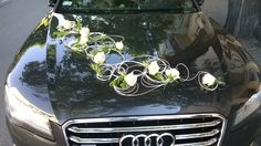 Car decoration with white rosa and rattan