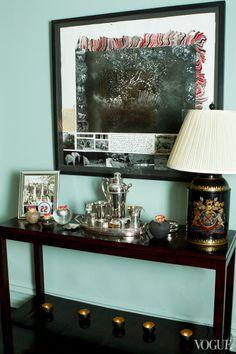 http://www.vogue.com/magazine/article/apt-with-lsd-barbara-bush-maggie-betts-and-elliott-mercks-shared-new-york-city-townhouse/#/magazine-gallery/apt-with-lsd-barbara-bush-maggie-betts-and-elliott-merck/17