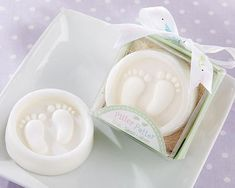 A Baby Shower Gift that cute and usable: Pitter Patter Soap Baby Feet Shower Favors Souvenirs Baby Shower Niña, Baby Shower Gift Bags, Unique Baby Shower Favors, Baby Shower Party Favors, Baby Shower Parties, Baby Shower Themes, Shower Ideas, Baptism Party, Baby Girl Favors