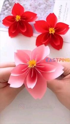 #diy #creative #Origami #paper #crafts #home #decor #handmade #idea Cool Paper Crafts, Paper Flowers Craft, Paper Crafts Origami, Flower Crafts, Diy Paper, Diy Projects With Paper, Flower Oragami, Paper Origami Flowers, Paper Butterflies