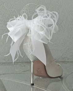 ZsaZsa Bellagio – Like No Other: In the Princess Parlor Bridal Party Wedding White Bow And Feather Shoe Clips Set Of Two shop: Chuletin Designs on etsy