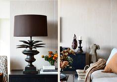 #adelaidebragg #interiordesign #sydneyapartment #contemporaryliving #livingroom #sofa Classic Interior, Service Design, Table Lamp, Sofa, King, Living Room, Interior Design, Apartments, Inspiration