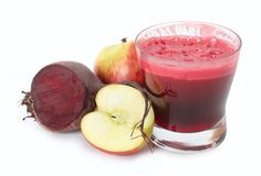 There are 3 types of fresh juice that serious juice enthusiasts hold in high esteem, these are leafy green juices, wheatgrass juice and beet juice. Healthy Juices, Healthy Smoothies, Healthy Drinks, Healthy Eating, Healthy Food, Clean Eating, Fresh Juice Recipes, Good Healthy Recipes, Easy Recipes