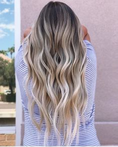 55 blonde long wavy hairstyles 2019 to mesmerize anyone best woman hairstyle 27 . - lange frisuren 2019 55 blonde long wavy hairstyles 2019 to mesmerize anyone best woman hairstyle 27 Baliage Hair, Balayage Hair Blonde, Brunette Hair, Blonde Highlights, Bayalage, Long Thin Hair, Ombre Hair Color, Hair Colors, Dark Hair