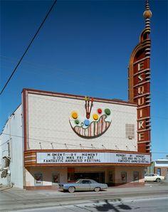 wandrlust:    Esquire Theater, Dallas, Texas, 1979 — Jim Dow