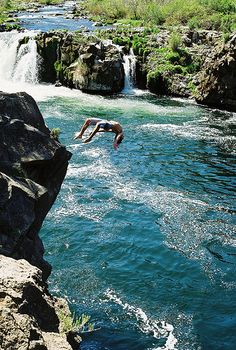 Steelhead Falls: the Deschutes River plunges 20-ft to a churning pool in this scenic rim rock canyon. Central Oregon