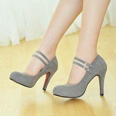 Lindos tacones grises