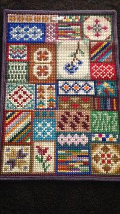 Cross Stitch Floss, Needlepoint Patterns, Plastic Canvas Patterns, Cross Stitch Designs, Cross Stitching, Carpets, Needlework, Textiles, Quilts