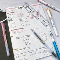 Ideas how to take notes studytee for 2019 Math Notes, Revision Notes, Study Notes, School Motivation, Study Motivation, Study Board, Bullet Journal Notes, School Study Tips, Diy Back To School