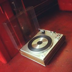 #Vitrola alemã #Philips, 4 velocidades, década de 1960, funcionando (R$ 450). (at Antiquário XIII)