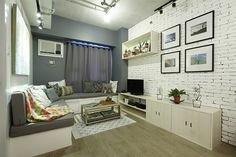A Minimalist Industrial Condo Unit An open layout and a clean aesthetic helped maximize this c Living Room Plan, Condo Living Room, Living Room Furniture Layout, Living Room Seating, Living Area, Condo Interior Design, Condo Design, House Design, Studio Apartment Floor Plans