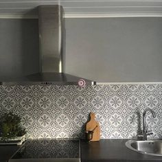 You can use Chalk Paint by Annie Sloan to paint a stenciled tile backsplash in your kitchen. This was done with Paris Grey Chalk Paint by… Gray Chalk Paint, Paris Grey, Annie Sloan Chalk Paint, Stencil Painting, Cottage Homes, Sweet Home, Home Decor, Backsplash Ideas, Kitchen Ideas