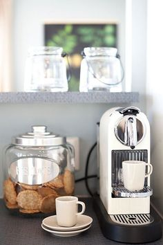 If you really want to have a coffee shop with this great coffee maker in the kit. Coffee Station Kitchen, Coffee Bar Home, Home Coffee Stations, Coffee Shop, Coffee Cups, Coffee Maker, Coffee Coffee, White Coffee, Coffee Center