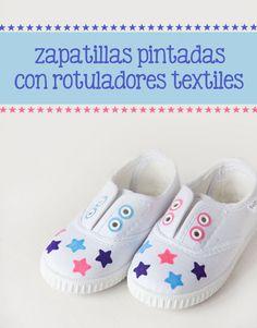 d82b61e87 Zapatillas pintadas con rotuladores textiles  diy  craftyblog