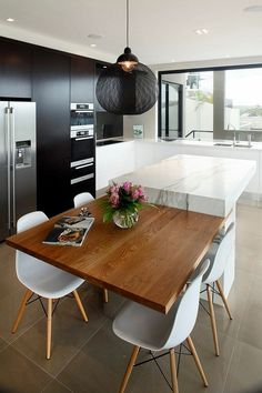 There is a lot of people today, tend to have modern kitchen design ideas for their new house. However, there is a lot of things that you need to know before creating modern kitchen design. Apartment Kitchen, Home Decor Kitchen, Rustic Kitchen, Kitchen Furniture, New Kitchen, Home Kitchens, Kitchen Ideas, Table Furniture, Furniture Ideas