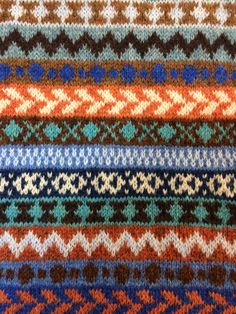 Manta Crochet, Knit Or Crochet, Knitting Charts, Hand Knitting, Color Patterns, Knitting Patterns, Fair Isle Pattern, Fair Isle Knitting, Craft Fairs