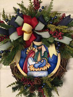 Elf Centerpieces, Christmas Centerpieces, Christmas Decorations, Christmas Door Wreaths, Holiday Wreaths, Christmas Ornaments, Christmas Crafts, Silver Christmas, Simple Christmas