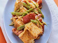 1.厚揚げ、パプリカは2cm角に、長ネギは斜め薄切り、サヤインゲンは斜めに4等分に切る。 2.フライパンにサラダ油を熱し、1の厚揚げを炒める。軽く焼き色がついたら残りの1を加えて炒める。 3.2の野菜がしんなりしたら混ぜ合わせたAを加え、よく炒め合わせる。