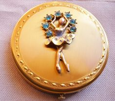 admirer and collector sharing my adoration and appreciation for vintage powder compacts. Lipstick Case, Lipstick Holder, Vintage Makeup, Vintage Vanity, Vintage Accessories, Vintage Jewelry, Vintage Purses, Vintage Bags, Vintage Love