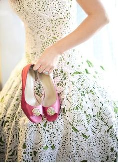 Kelly green dress with ivory eyelet overlay. Paired with fabulous sherbet pink colored satin pumps. Gorgeous!