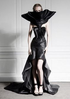 Sculptural Fashion - dramatic black dress with rippling hem & 3D silhouette // Fyodor Golan #raven queen