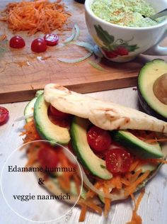 EDAMAME HUMMUS & VEGGIE NAANWICH In this veggie naanwich youll find a creamy garlicky edamame hummus topped with beautiful and fresh veggies in a soft naan bread. Real Food Recipes, Vegetarian Recipes, Cooking Recipes, Healthy Recipes, Savoury Recipes, Savoury Dishes, Sandwich Recipes, Easy Dinner Recipes, Easy Meals
