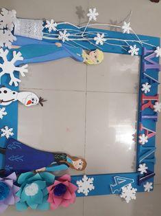 Hanukkah, Frozen, Wreaths, Ideas, Home Decor, Cardboard Box Cars, Lyrics, Party, Decoration Home