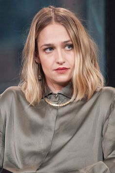 We adore GIRLS star Jemima Kirke's lob 'do. This is the perfect style if you can't quite decided between a super short bob and long luscious locks.