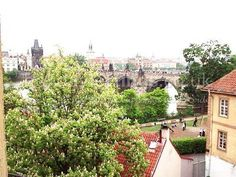 2 bedroom apartment in Prague to rent from £496 pw. With phone and DVD.