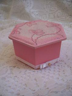 Caixa - baby rosinha  by Dag Lembrancinhas - Artesanato em madeira, via Flickr
