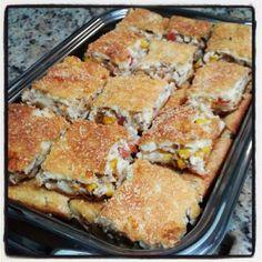 Receita de Torta de Atum - 2 1/2 copo(s) de leite, 1 1/2 copo(s) de Óleo de soja, 3 unidade(s) de ovo, 2 xícara(s) (chá) de farinha de trigo, 1 colher(es) (c... Quiche, Portuguese Recipes, Portuguese Food, 30 Minute Meals, Sweet And Salty, Finger Foods, Tortillas, French Toast, Sandwiches
