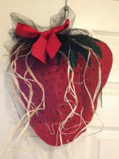 Strawberry burlap craft