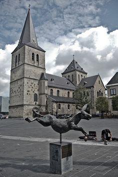 Pancratius kerk, Heerlen herken ik ik ook vaak op zondag met pappa op de fiets hier naartoe