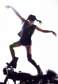 Lisbeth Salander - Rooney Mara - The Girl with the Dragon Tattoo - W Magazine Lisbeth Sao, Dragon Tattoo Rooney Mara, Lisbeth Salander, Stieg Larsson, Noomi Rapace, She Wolf, Hero Movie, Girl Crushes, Ideias Fashion
