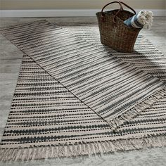 Tabletop, window treatments, dishtowels and home decor by the brands, Park Designs and Split-P.