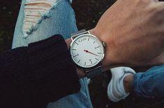 """"""" En klocka för er som lever som mig. Manaña manaña -100kr Rabattkod:Nino @a.leth_unknown"""