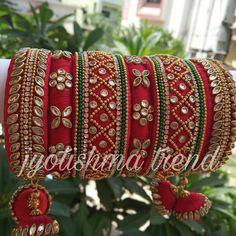 rajwada look bangle Silk Thread Bangles Design, Silk Thread Necklace, Silk Bangles, Bridal Bangles, Thread Jewellery, Fabric Jewelry, Pearl Necklace Designs, Handmade Jewelry Designs, Bengal