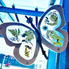 Craft with kids, nature craft Nature Crafts, Suncatchers, Crafts For Kids, Butterfly, School, Instagram, Crafts For Children, Kids Arts And Crafts, Butterflies