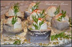 śledź po japońsku Panna Cotta, Table Decorations, Ethnic Recipes, Christmas, Impreza, Food, Kitchens, Xmas, Dulce De Leche
