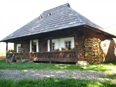 Traditional House, Gazebo, Outdoor Structures, Traditional Homes, Romania, Rustic Homes, Kiosk