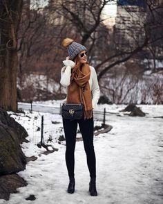 STREET STYLE - winter layering with scarf