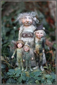 The Mayhem family of wood elves, mother, Wiggins, Shadow and Nod ~ Tatiana Raum Woodland Creatures, Magical Creatures, Kobold, Elves And Fairies, Fairy Figurines, Baby Fairy, Woodland Fairy, Flower Fairies, Fairy Art