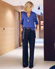 Swans Style is the top online fashion store for women. 60 Fashion, Fashion Over 40, Work Fashion, Fashion Looks, Womens Fashion, Mode Outfits, Chic Outfits, Fashion Outfits, Business Casual Outfits