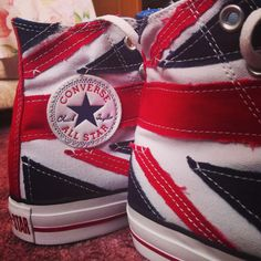 Union Jack high top Converse <3