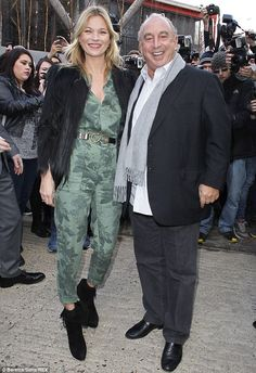 She's got the London look: Kate Moss and Philip Green arrived at the Topshop London Fashion Week catwalk show Estilo Kate Moss, Philip Green, Topshop Unique, London Look, Boiler Suit, 2014 Trends, Rock Chic, Front Row, Catwalk