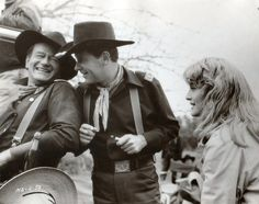 "John Wayne, William Holden and Constance Towers on set of ""The Horse Soldiers"" Hollywood Stars, Classic Hollywood, Old Hollywood, Western Film, Western Movies, I Movie, Movie Stars, Alamo Movie, Westerns"