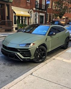 Military Lamborghini Urus 🐊 By: by Luxury Lifestyle Magazine Luxury Sports Cars, Top Luxury Cars, Fancy Cars, Cool Cars, Lux Cars, Pretty Cars, Classy Cars, Car Goals, Expensive Cars